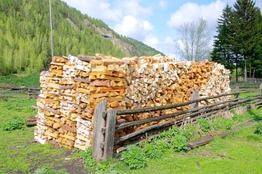 Як складати дрова