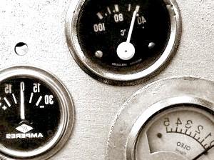 Як доливати масло в двигун