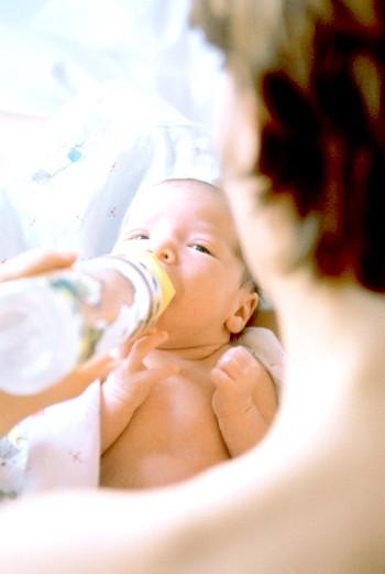 Як поїти новонародженого