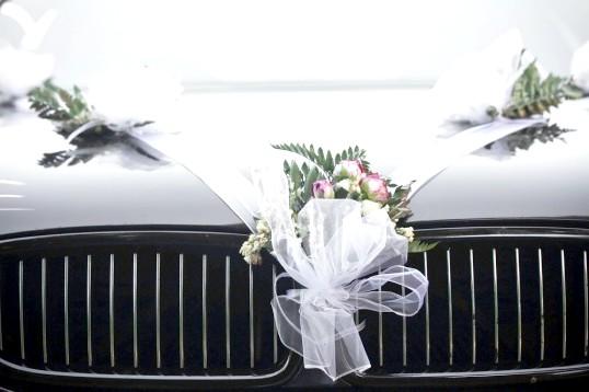 Як зробити самим весільну прикраса на машину