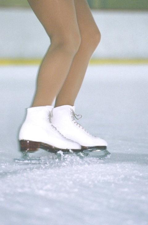 Як навчитися гальмувати на ковзанах